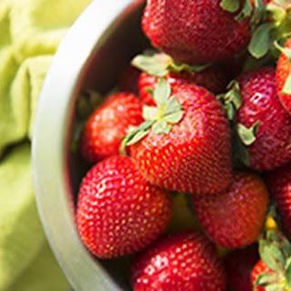 Healthy Strawberry Oat Bars.