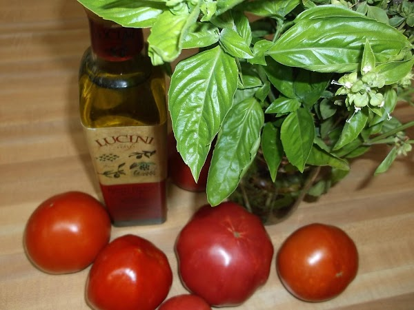 *NOTE: If locally grown, non-greenhouse tomatoes are not available, canned san marzano tomatoes (Italian...