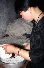 Photo: 03549 土城子/食堂/ユウマイの押し出し麺作り/水でこねる