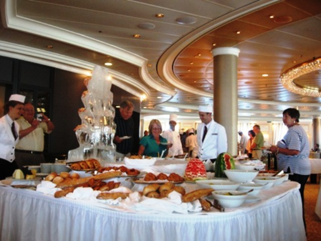 Special luncheon buffet spotlights the super chefs of Oceania Marina