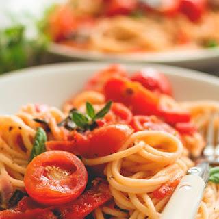 Fresh Tomato Pasta with Herbs