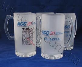 Photo: Пивные бокалы с логотипом Американской торговой палаты. Подарки по случаю юбилея. Матовое стекло, прозрачная ручка