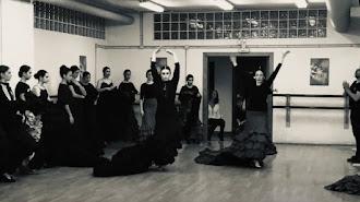 Alumnas del Conservatorio de Danza durante los ensayos con Daniel Doña.