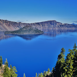 Crater Lake by Thomas Barr - Landscapes Waterscapes (  )