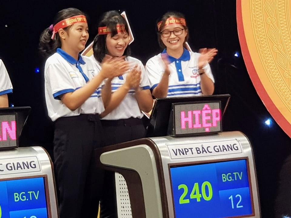 """Trường THPT Hiệp Hòa số 1 vô địch gameshow """"bắc giang – hành trình lịch sử -văn hóa"""" mùa thứ tư do Đài phát thanh và truyền hình Bắc Giang tổ chức"""