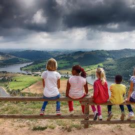 Couleurs unies by Sylvie Pierrat - Babies & Children Children Candids ( la loire, couleurs, méandre, nuages, fleuve, enfants, orage )