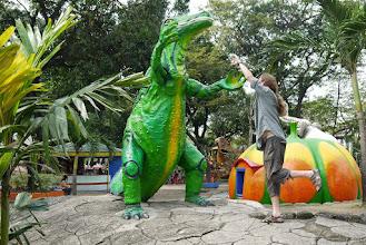 Photo: Mon légendaire combat contre Denver, le dernier dinosaure (maintenant vous savez pourquoi).