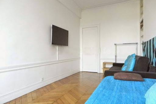 2 Bedroom Apartment in Latin Quarter 110 m² living room