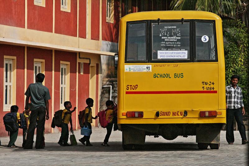 scuolabus..vanaprastha di aag