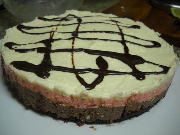 Brownie Bottom Neapolitan Cheese Cake