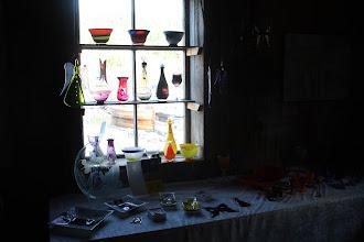 Photo: 2010 Bryggeutstillinga, Råkvåg - www.bryggeutstillinga.no