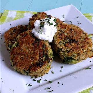 Cheesy Quinoa & Broccoli Cakes.