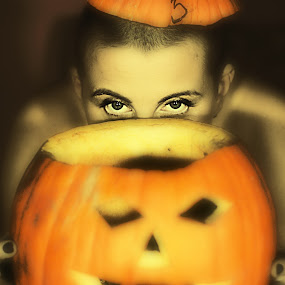 P. by Agnieszka Uzieblo - Public Holidays Halloween ( plant, orange, pwcpumpkins, smile, women )