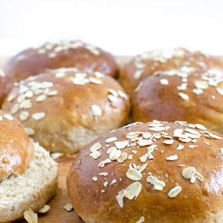 Homemade Whole Wheat and Oat Buns
