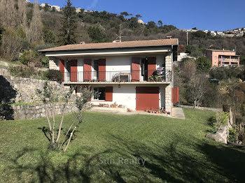 villa à Saint-Jeannet (06)