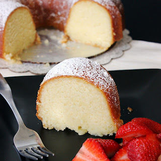 Grandma'S Classic Pound Cake with Champagne Glaze Recipe