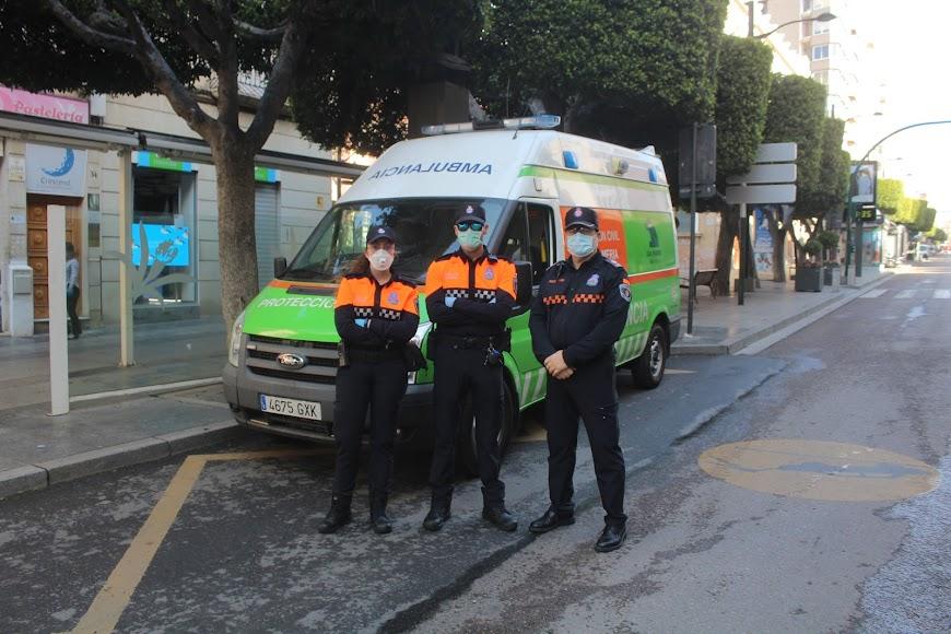 Protección Civil en el Paseo de Almería.