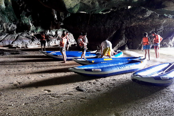 Paddle into a cave on Koh Talabeng