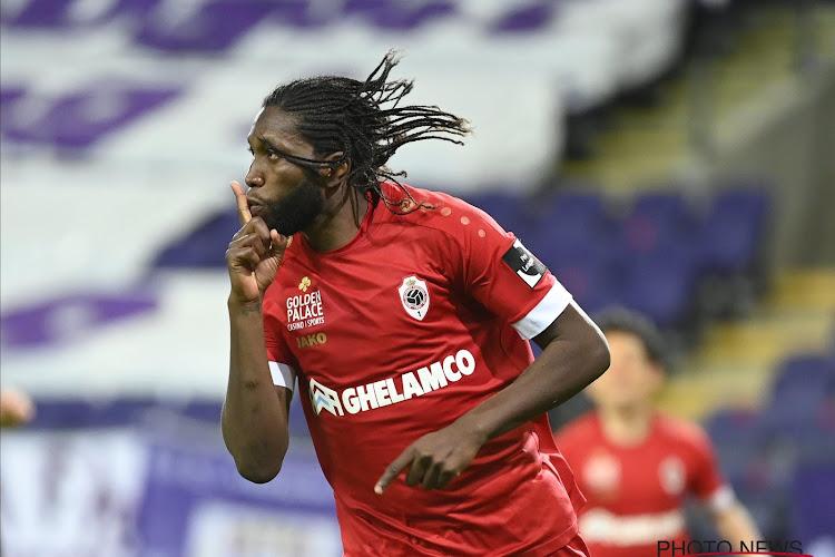 Anderlecht revient à la charge concernant Dieumerci Mbokani
