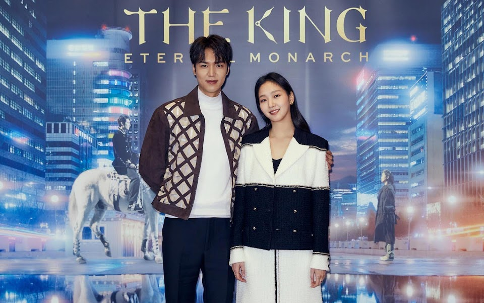 60e34421-95b2-4b7a-ae07-56a162528c06_the king tkem-new-article-banner image 1440x900