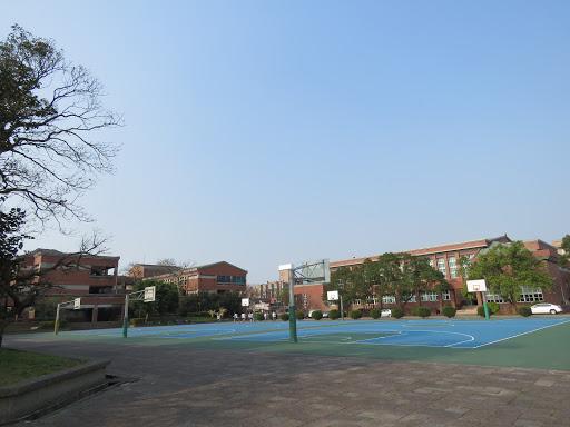 崗中校園寫真