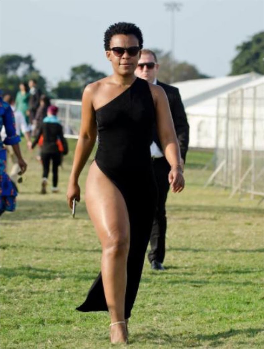 Socialite Zodwa Wabantu says she understand why Khanyi and Mshoza changed themselves. Image: MTHOKO DLAMINI