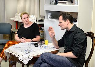 Photo: KÜNSTLERGESPRÄCH MIT CONSTANTIN TRINKS (10. JUNI 2014). Interviewerin: Dr. Renate Wagner. Foto: Barbara Zeininger