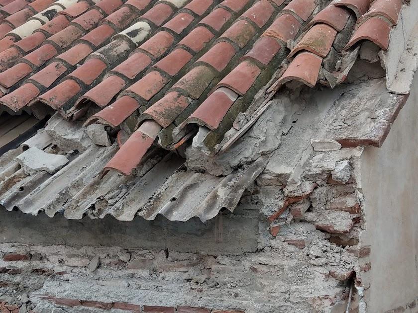 Derrumbe del tejado de la parroquia de Adra