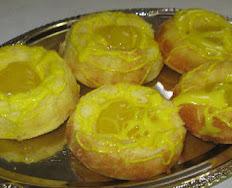 Mini Lemon Bundt Cakes Can Be Included in platter