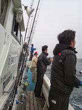 Photo: 予報より波がある状況! 何とかガンバって釣りましょー!