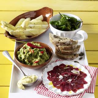 Asparagus With Hollandaise Sauce.