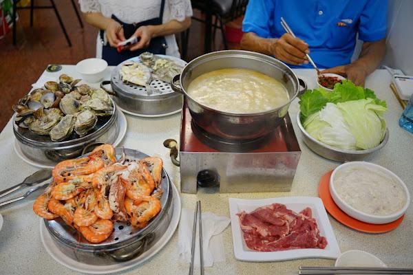 二月沙茶爐(台南創始店) 台南海鮮塔.痛風鍋