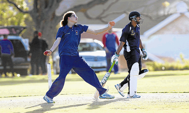 NO MORE BLUES: Jordaan Fourie of Victoria Cricket Club bowls, with Giovani Joseph of the Olympian Wanderers at the crease at the Buffalo Flats grounds.