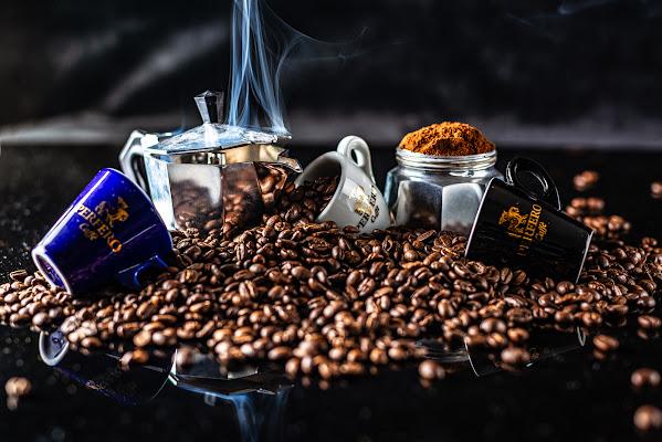 Tuffo nel caffè di manu_esse74