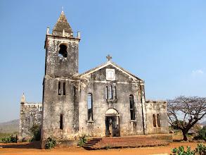 Photo: Cóbuè - ruins of the old church