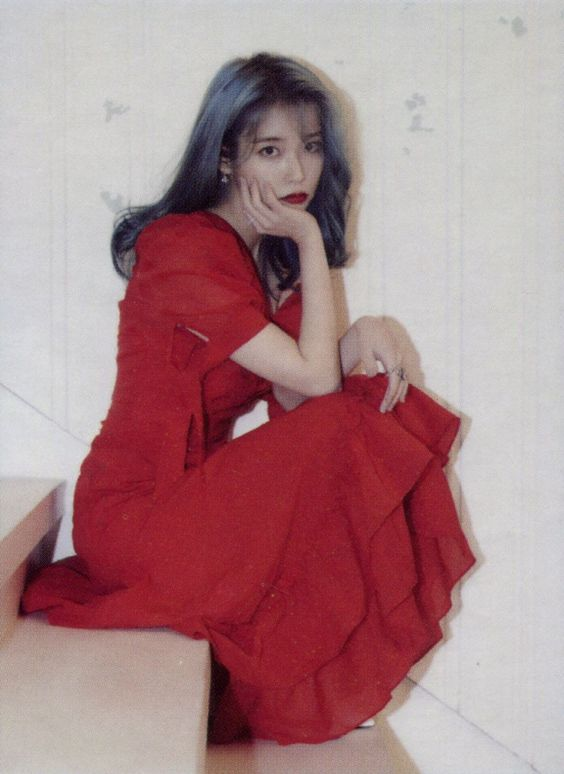 iu gown 33