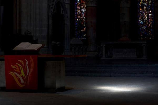 Spada di luce nell'ombra di nicolaibba