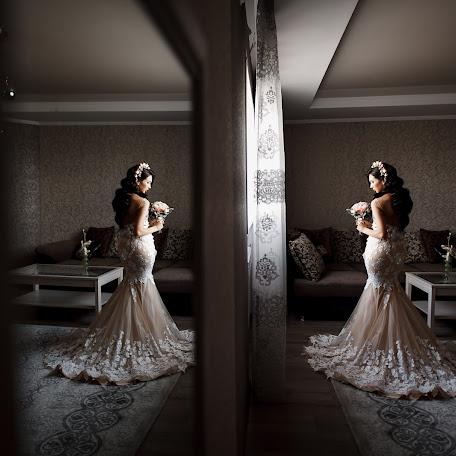 Wedding photographer Ruslan Mustafin (MustafinRK). Photo of 17.12.2017