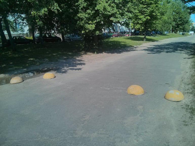 Тротуар с шарами