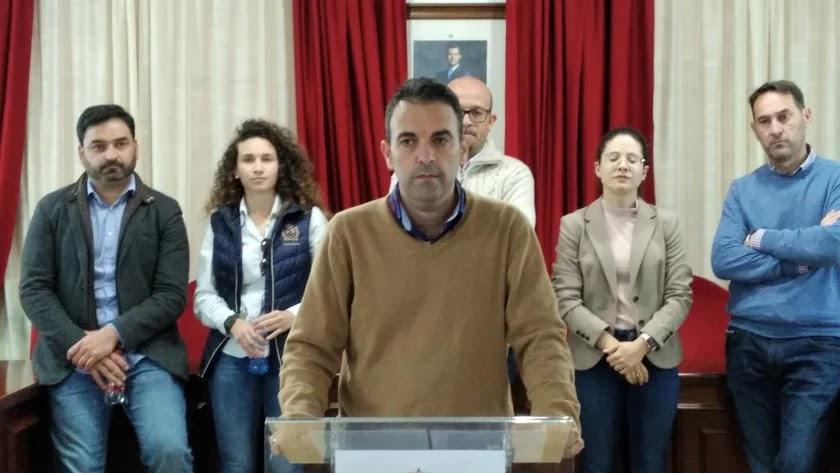 El alcalde de Antas, Pedro Ridao, en una rueda de prensa meses atrás.