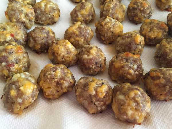 Spicy Sausage And Cheese Balls