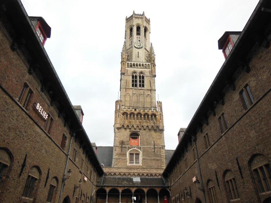 Campanario de Brujas (Belfort)