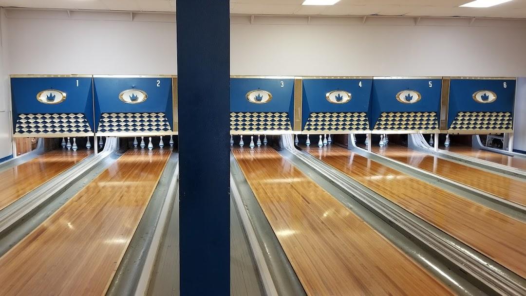 Chasin' Turkeys Bowling Alley - Bowling Alley in Carleton Place