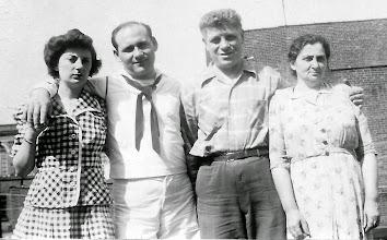 Photo: Mildred Tulman Landsberg, Frank Landsberg, Harry Tulman, Anna Braunhart Tulman