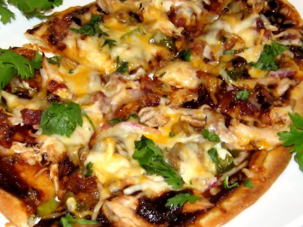 Barbecue Chicken & Bacon Naan Pizza Recipe
