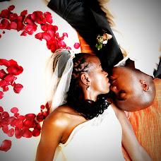 Wedding photographer Mark Kathurima (markonestudios). Photo of 14.02.2014