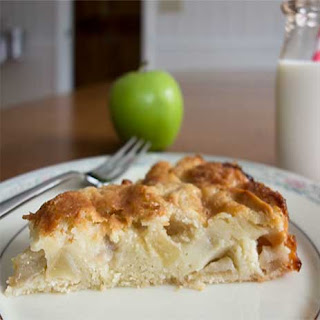 Marie-Hélène's Apple Cake (from pages 432-433 of Dorie Greenspan's Around My French Table, as adapted)