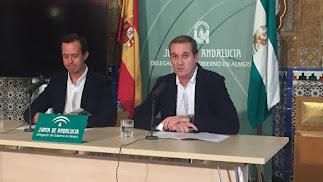 José María Martín y Raúl Enríquez presentan el programa 'Mayores por el Medio Ambiente'.