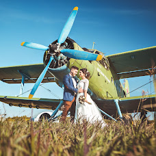 Wedding photographer Anton Kharisov (Fotoshi). Photo of 18.08.2016