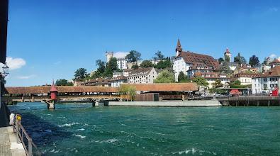 Photo: Most vetešníků (Spreuerbrücke), v pozadí Museggská zeď a Museggské věže